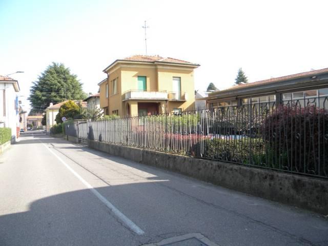 Villa in vendita a Oggiona con Santo Stefano, 4 locali, prezzo € 218.000 | CambioCasa.it