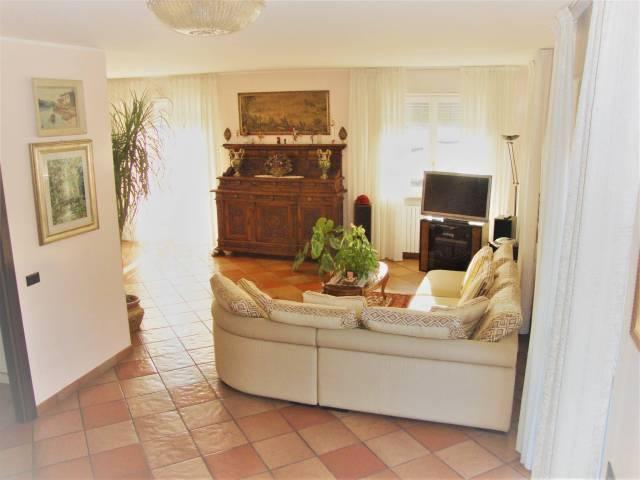 Villa in vendita a Torino, 6 locali, zona Zona: 13 . Borgo Vittoria, Madonna di Campagna, Barriera di Lanzo, prezzo € 498.000 | CambioCasa.it