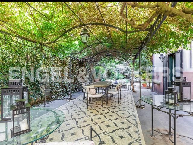 Appartamento in Vendita a Roma: 5 locali, 540 mq