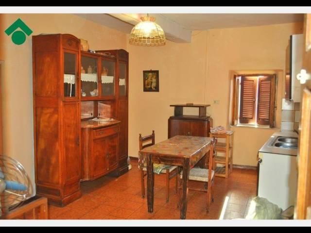 Appartamento in vendita a Tarano, 2 locali, prezzo € 25.000 | CambioCasa.it