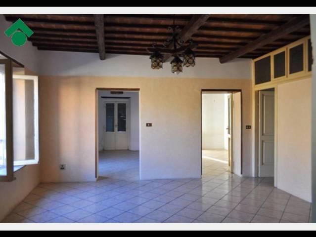 Appartamento in vendita a Magliano Sabina, 4 locali, prezzo € 50.000 | CambioCasa.it