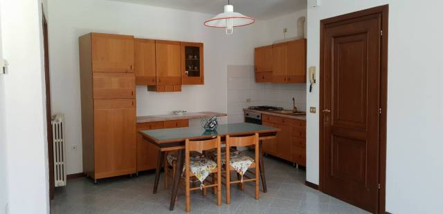 Appartamento in vendita a Ghedi, 3 locali, prezzo € 105.000 | CambioCasa.it