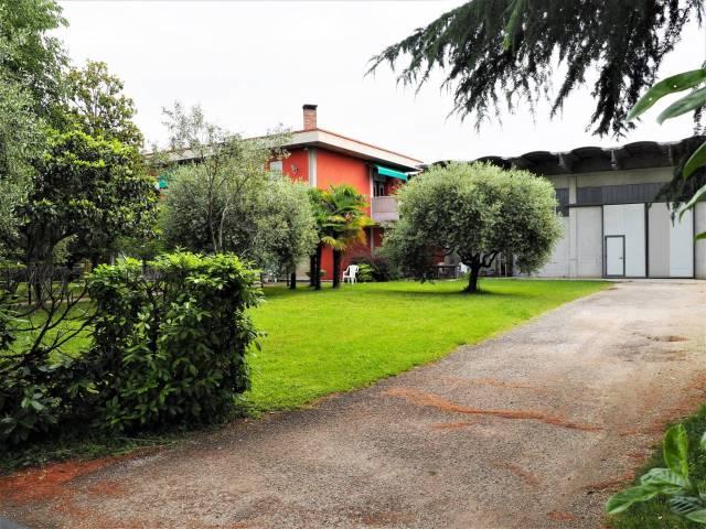 Capannone in vendita a Rossano Veneto, 9999 locali, prezzo € 390.000 | CambioCasa.it