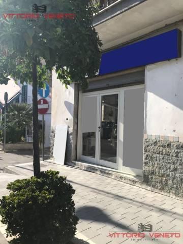Negozio / Locale in vendita a Agropoli, 2 locali, prezzo € 80.000 | CambioCasa.it