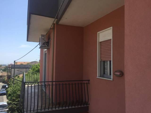 Appartamento in vendita a Linguaglossa, 3 locali, prezzo € 55.000 | CambioCasa.it