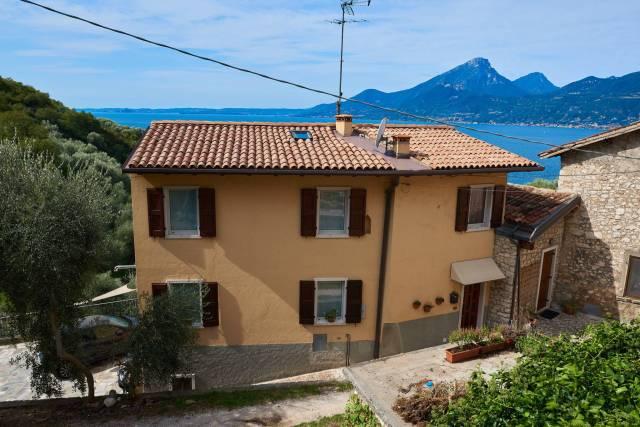 Rustico / Casale in vendita a Brenzone, 6 locali, prezzo € 419.000 | CambioCasa.it