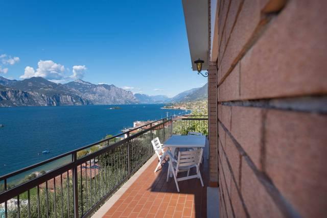Appartamento in vendita a Brenzone, 5 locali, prezzo € 395.000 | CambioCasa.it