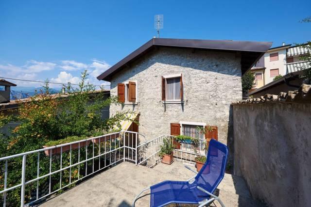 Soluzione Indipendente in vendita a Brenzone, 3 locali, prezzo € 195.000   CambioCasa.it