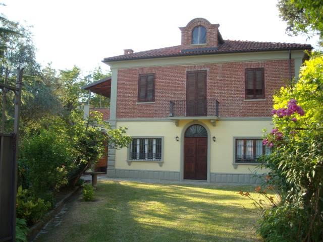 Villa in vendita a Pino d'Asti, 6 locali, prezzo € 169.000 | CambioCasa.it