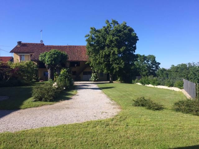 Rustico / Casale in vendita a Piozzo, 6 locali, Trattative riservate | CambioCasa.it