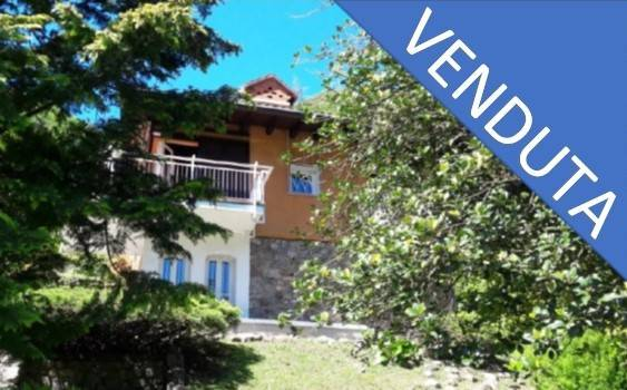 Villa in vendita a Brusimpiano, 5 locali, prezzo € 310.000 | CambioCasa.it