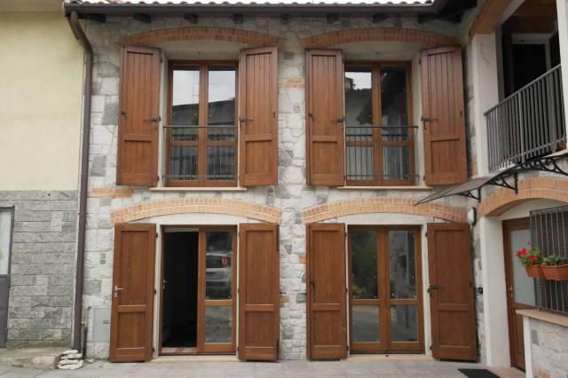 Appartamento in Vendita a Cocquio-Trevisago