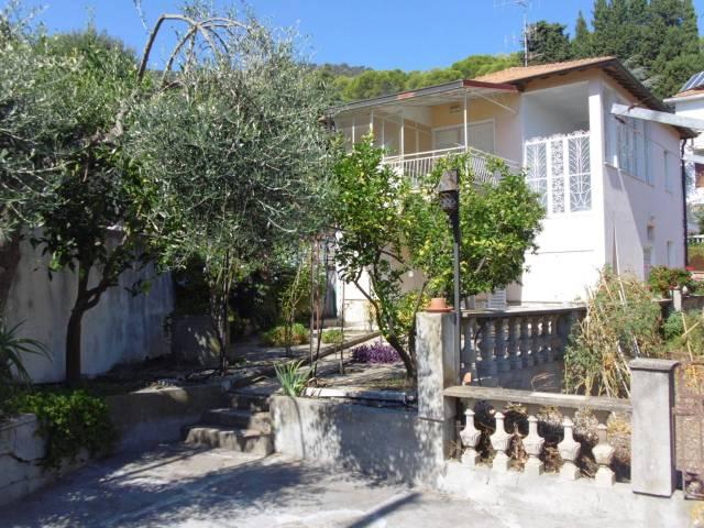 Appartamento in vendita a Andora, 3 locali, prezzo € 249.000 | CambioCasa.it