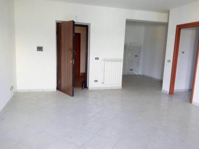Appartamento in affitto a Montoro, 4 locali, prezzo € 420 | CambioCasa.it