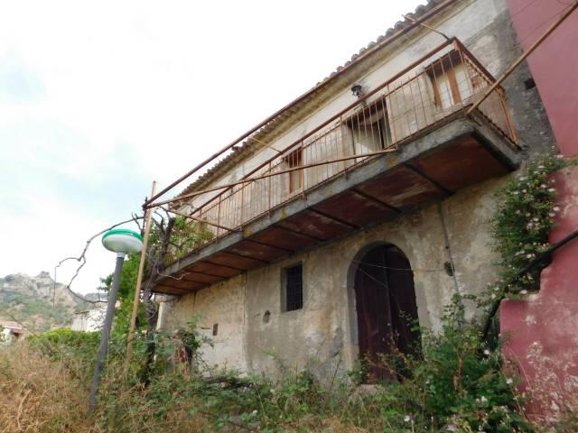 Villa in vendita a Savoca, 4 locali, prezzo € 70.000 | CambioCasa.it