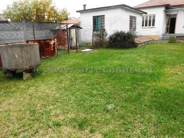 Villa in vendita a Canegrate, 2 locali, prezzo € 200.000 | CambioCasa.it