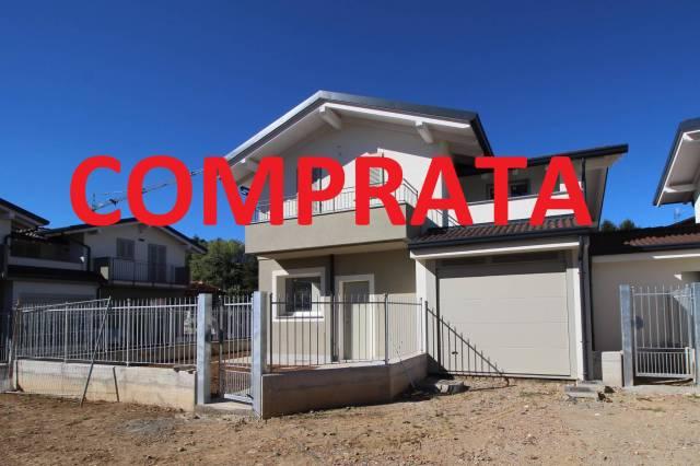 Villa in vendita a Cermenate, 4 locali, prezzo € 279.000 | CambioCasa.it