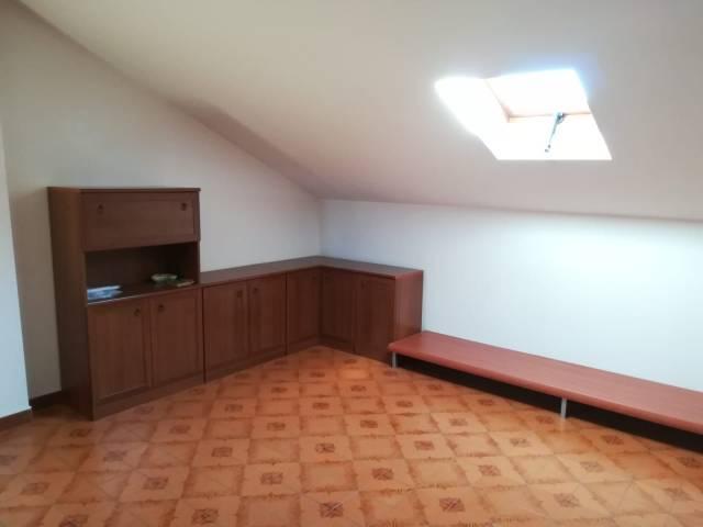 Attico / Mansarda in affitto a Rivalta di Torino, 1 locali, prezzo € 300 | CambioCasa.it
