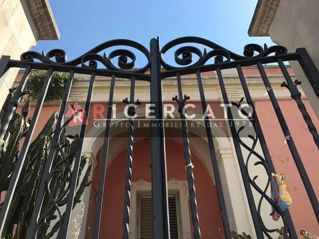 Villa in vendita a Lecce, 5 locali, prezzo € 330.000 | CambioCasa.it