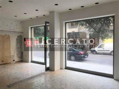 Negozio / Locale in affitto a Lecce, 2 locali, prezzo € 1.600 | CambioCasa.it