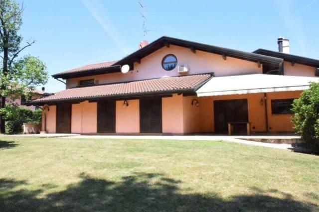Villa in vendita a Limido Comasco, 6 locali, prezzo € 1.500.000 | CambioCasa.it