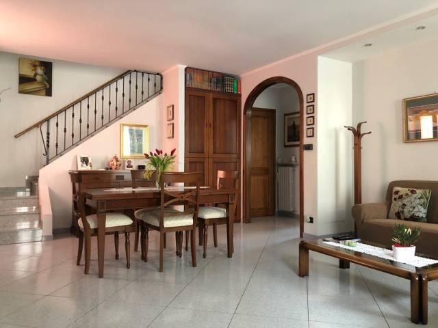 Soluzione Indipendente in vendita a Asso, 5 locali, prezzo € 230.000 | CambioCasa.it
