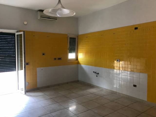 Appartamento in affitto a Pontecagnano Faiano, 3 locali, prezzo € 450   CambioCasa.it