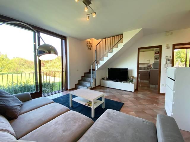Appartamento in vendita a Buguggiate, 3 locali, prezzo € 205.000   CambioCasa.it