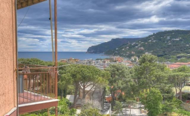 Appartamento in vendita a Spotorno, 2 locali, prezzo € 240.000 | CambioCasa.it