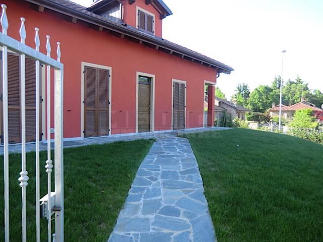 Villa in vendita a Asti, 5 locali, Trattative riservate | CambioCasa.it
