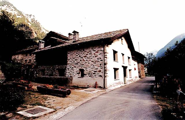 Rustico / Casale in affitto a Gressoney-Saint-Jean, 6 locali, prezzo € 1.500 | CambioCasa.it