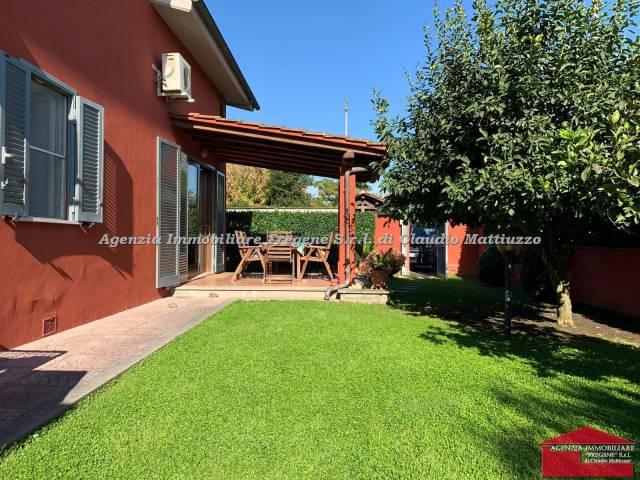 Rustico / Casale in vendita a Fiumicino, 6 locali, prezzo € 650.000 | CambioCasa.it