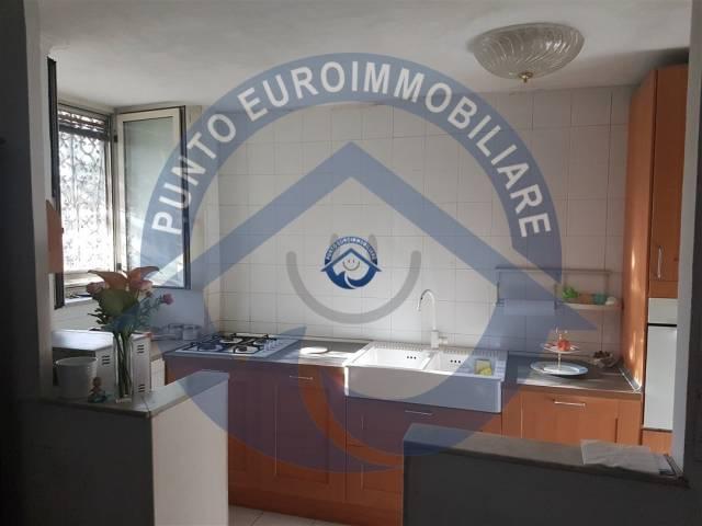 Appartamento in vendita a San Giorgio a Cremano, 3 locali, prezzo € 160.000 | CambioCasa.it