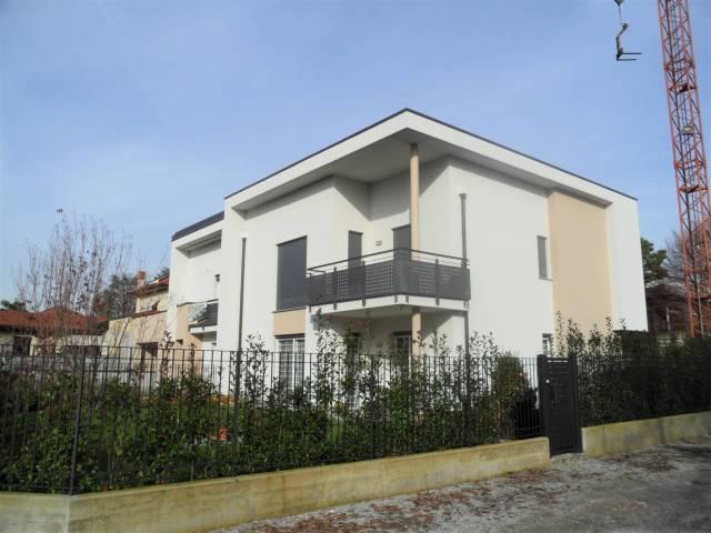 Appartamento in vendita a Mariano Comense, 3 locali, prezzo € 309.000 | CambioCasa.it