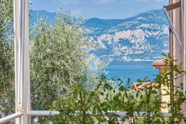 Appartamento in vendita a Malcesine, 4 locali, prezzo € 350.000 | CambioCasa.it