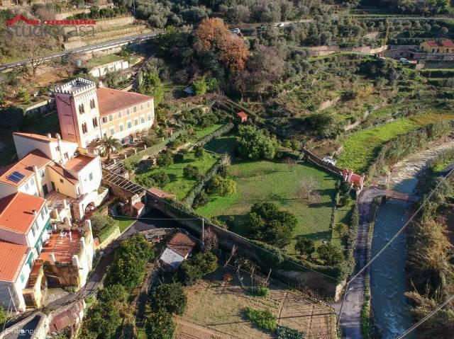 Soluzione Indipendente in vendita a Finale Ligure, 5 locali, Trattative riservate | CambioCasa.it