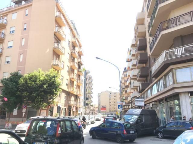 Ufficio / Studio in affitto a Palermo, 2 locali, prezzo € 370 | CambioCasa.it