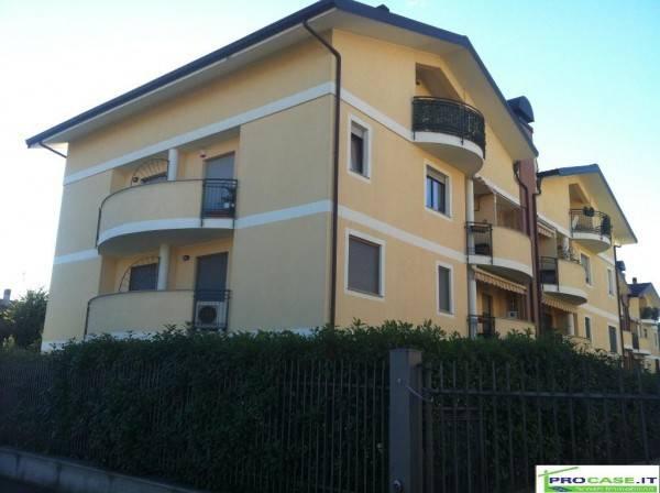 Appartamento in affitto a Vanzago, 1 locali, prezzo € 400 | CambioCasa.it