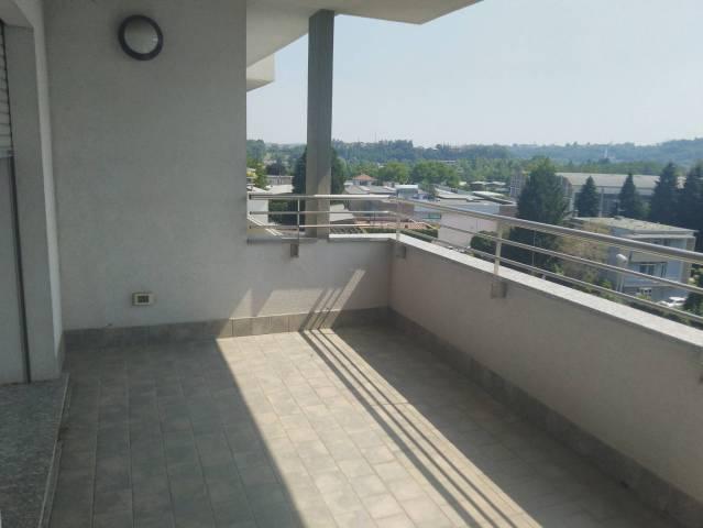 Attico / Mansarda in vendita a Como, 3 locali, zona Zona: 6 . Acquanera- Albate -Muggiò - , prezzo € 215.000 | CambioCasa.it
