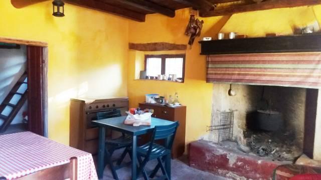 Rustico / Casale in vendita a Vestone, 4 locali, prezzo € 120.000   CambioCasa.it