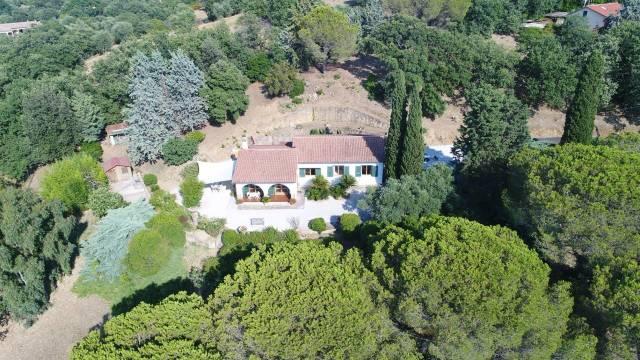 Villa in vendita a Scarlino, 6 locali, prezzo € 680.000   CambioCasa.it