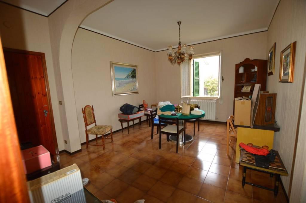 Appartamento in vendita a Santa Maria Nuova, 3 locali, prezzo € 49.000 | CambioCasa.it