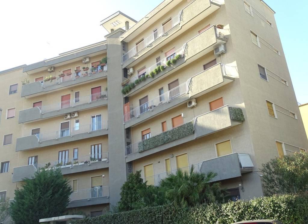 Appartamento in Vendita a Bari Periferia Est: 5 locali, 140 mq