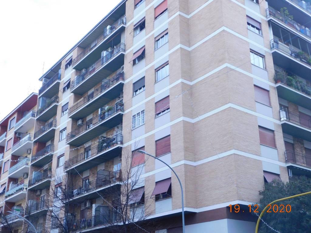 Appartamento in vendita a Roma, 3 locali, zona Zona: 10 . Pigneto, Largo Preneste, prezzo € 330.000   CambioCasa.it