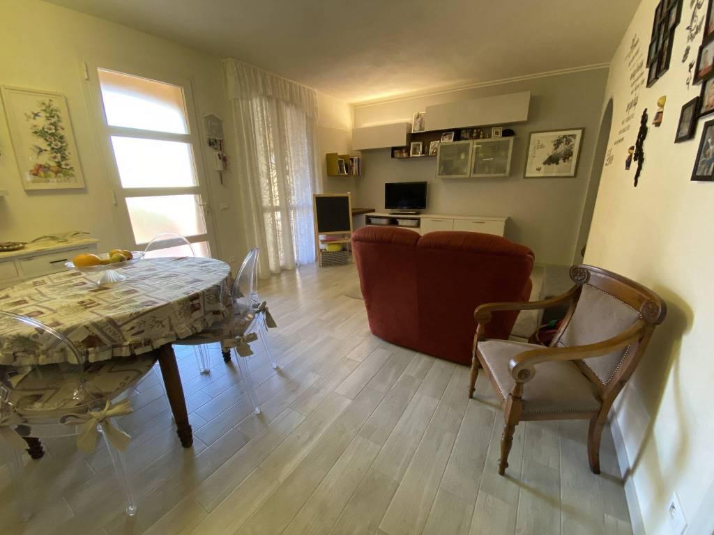 Appartamento in Vendita a Pontedera Periferia: 5 locali, 98 mq