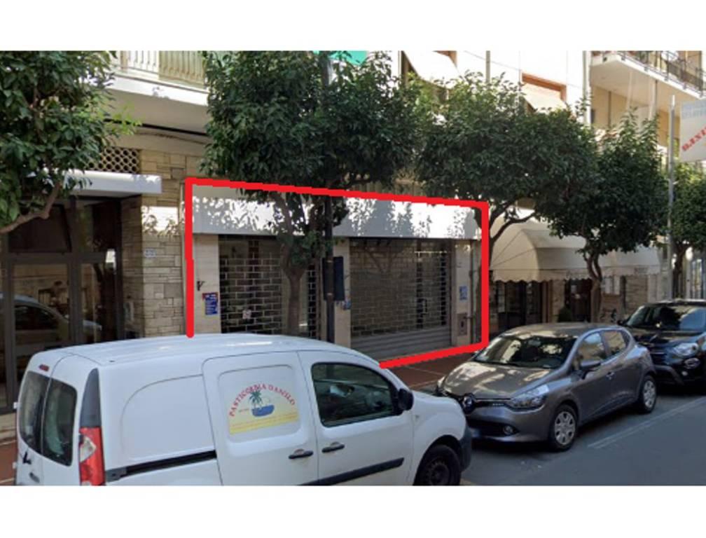 Negozio / Locale in vendita a Diano Marina, 3 locali, prezzo € 135.000 | CambioCasa.it