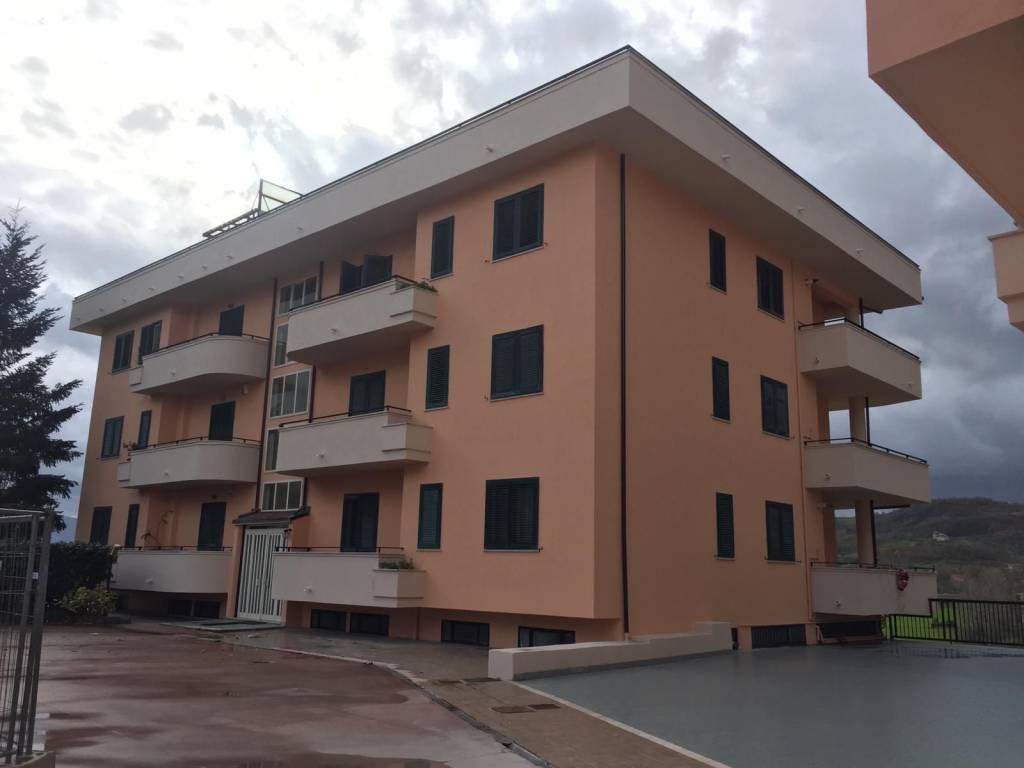 Appartamento in vendita a Amorosi, 5 locali, prezzo € 110.000 | CambioCasa.it