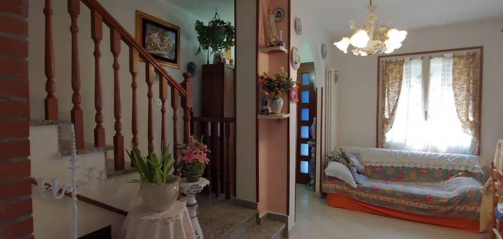 Soluzione Indipendente in vendita a Bagnacavallo, 5 locali, prezzo € 153.000 | CambioCasa.it