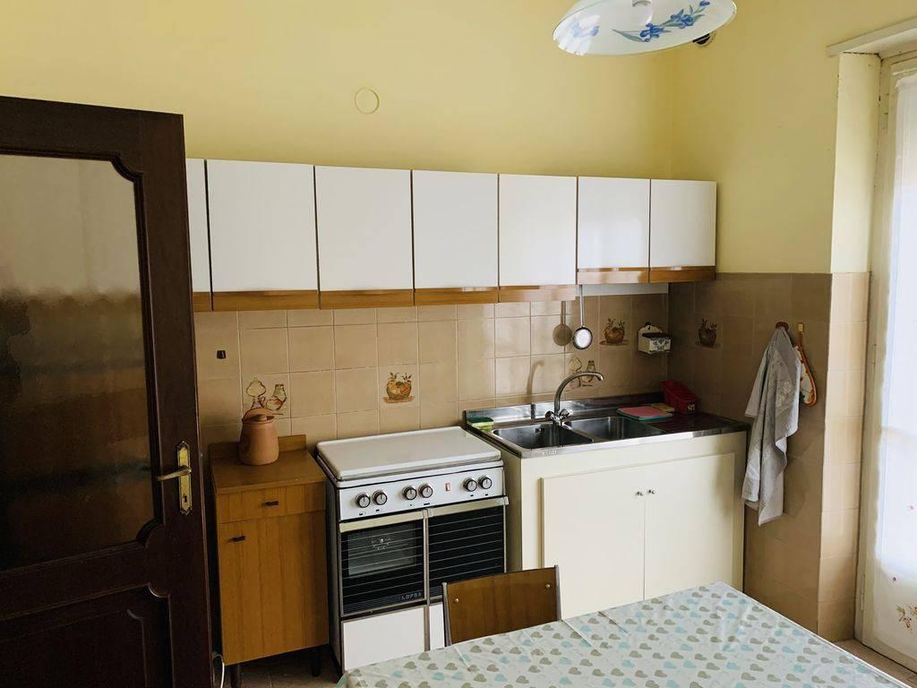 Appartamento in buone condizioni arredato in affitto Rif. 8185711