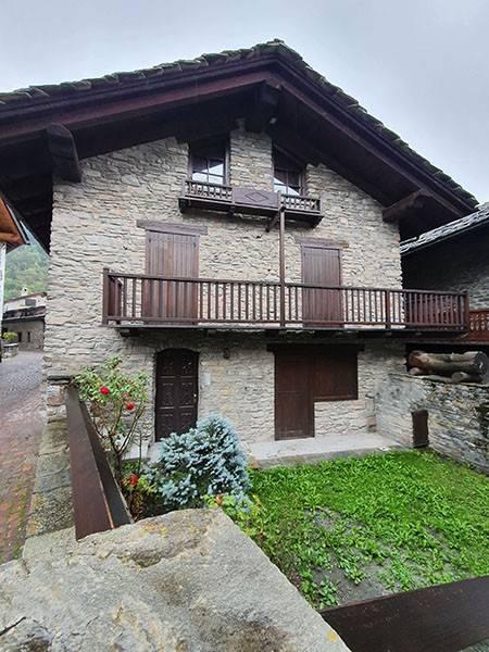Appartamento in vendita a Prè-Saint-Didier, 6 locali, Trattative riservate | CambioCasa.it